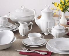 Szlachetna zastawa porcelanowa na każdą wyjątkową okazję Chodzież MARIA TERESA Serwis obiadowo-kawowy 83/12: