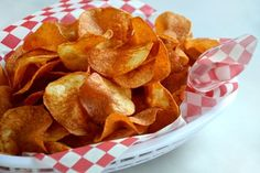 Homemade Potato Chip AND Homemade BBQ Seasoning How-To. I will bake mine though, not fry - The Kitchenthusiast Chip Seasoning, Bbq Seasoning, Seasoning Recipe, Homemade Chips, Homemade Bbq, Appetizer Recipes, Snack Recipes, Cooking Recipes, Appetizers