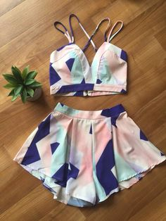 set of shorts and top Swag Outfits For Girls, Cute Comfy Outfits, Two Piece Dress, Two Piece Outfit, Black Girl Fashion, Cute Fashion, Normcore Fashion, Crop Top Outfits, Thrift Fashion
