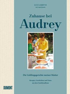 Feuilletonscout-Rezension Luca Dotti lädt uns ein an den Esstisch seiner berühmten Mutter Audrey Hepburn. Herausgekommen ist ein sehr persönliches Buch über die berühmte Schauspielerin. Ein Sohn er…