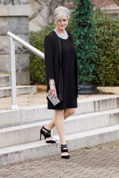 Office Look Chic Simple 60 Fashion, Dance Fashion, Fashion Over 40, Womens Fashion For Work, Women's Fashion Dresses, Advanced Style, Office Looks, Look Chic, Old Women