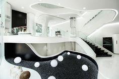 Футуристичната разтапяща се къща Elastica