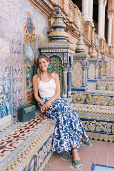 Golden Morning Glow At Plaza de España, Seville (Gal Meets Glam) Vacation Outfits, Summer Outfits, Outfits For Spain, Castaner Espadrilles, Estilo Hippy, Spain Fashion, Seville Spain, Barcelona Spain, Gal Meets Glam