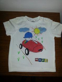 Camiseta decorada a mano