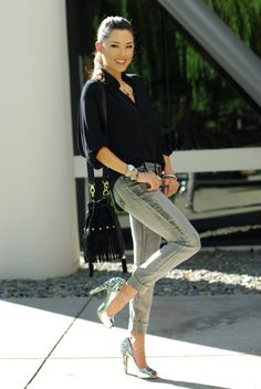 Jessica from Hapa Time in #bebe studded skinny jeans #bloggersweadore