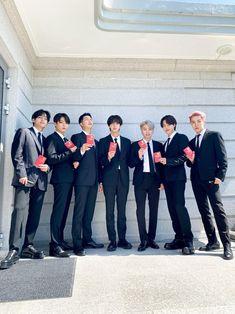 Bts Suga, Bts Bangtan Boy, Bts Boys, Bts Taehyung, Bts Girl, Bts Group Picture, Bts Group Photos, Group Shots, Foto Bts