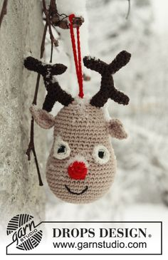 "Rudolf by DROPS Design: Crochet DROPS Christmas reindeer in ""Safran"". Crochet Christmas Decorations, Crochet Ornaments, Christmas Crochet Patterns, Holiday Crochet, Christmas Knitting, Christmas Diy, Crochet Amigurumi, Diy Crochet, Crochet Crafts"