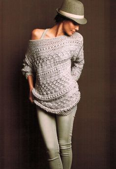 Love the oversized sweater! I wish this hat was hanging on my (I wish I had a) Hat Stand!!