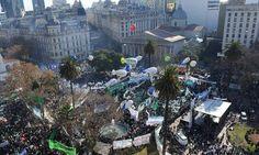 COPIA OCULTA - Periodismo de escritores: Crisis Argentina: el peronismo como lenguaje