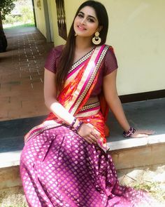 Shivani Narayanan saree stills - South Indian Actress Beautiful Girl Indian, Most Beautiful Indian Actress, Beautiful Saree, Beautiful Women, Indian Bollywood Actress, South Indian Actress, South Actress, Tamil Actress, Half Saree Designs