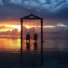 An ocean swing as the sun sets in Gili Trawangan is Gabriela Berbert-Born's moment when she fell in love with the world Yeah... We can see why! #Indonesia is obviously a hot spot for earth #love! Share your moment with us using #meettheworld Hotels-live.com via https://www.instagram.com/p/BCTDAW2jyqE/ #Flickr