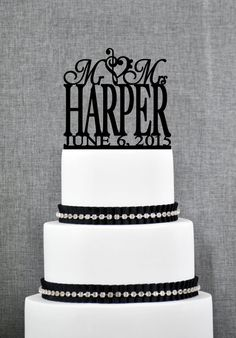 Mr and Mrs Last Name Cake Topper with Treble Bass Clef Heart and Date, Mr and Mrs Cake Topper, Wedding Topper, Elegant Cake Topper- (S037)