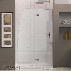 This kit combines an AQUA ULTRA™ shower door with a coordinating SlimLine™ shower base. The unique and sophisticated curved silhouette gives this door an attractive European flair, while an innovative