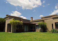 Francisco Marconi & Arquitectos Asociados Elderly Home, Home Fashion, Countryside, 3 D, House Plans, Backyard, Exterior, House Design, Mansions
