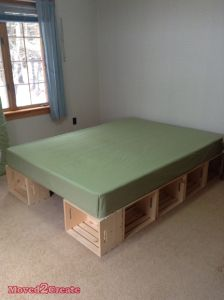 DIY: Wooden Crate Platform Mattress I feel there's a recent syndrome that psychiatrists want to star Diy Bedframe With Storage, Platform Bed With Storage, Twin Platform Bed, Bed Frame With Storage, Diy Bed Frame, Diy Platform Bed Frame, Diy Storage Twin Bed, Box Spring Bed Frame, Plataform Bed