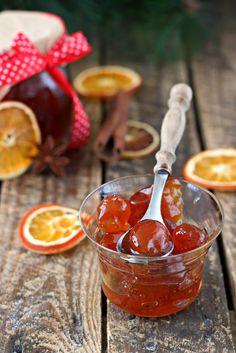 1 кг кумкват(китайский апельсин) 1 кг сахара Апельсины помыть ,сделать на месте хвостика надрез крестиком. Положить в кастрюлю залить водой(так чтобы вода…