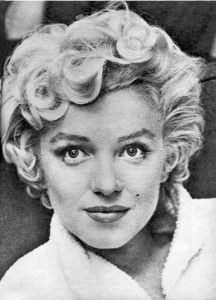 Do you think I could get my hair to do this for the wedding? (50's Bridesmaid). I know Alyx will like the volume!