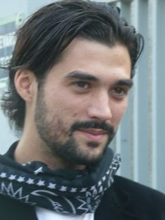 Will you look at his eyes!!! Florent Mothe