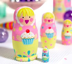 Try a new twist on the traditional Russian doll design - cupcakes! www.matrioskas.es