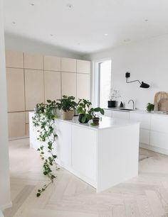 Kitchen Furniture, Kitchen Interior, Kitchen Decor, Küchen Design, House Design, Modern Design, Decor Interior Design, Interior Decorating, Scandinavian Kitchen