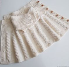 Clothes for Girls handmade.Manual work of authorship, beanie knitted Classic Outfits, Retro Outfits, Girl Outfits, Cute Outfits, Tricot Baby, Gender Neutral Baby Clothes, Bohemian Style Clothing, Sophisticated Outfits, Womens Fashion Online