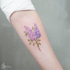 Lilac Flower Tattoo by Tattooist Silo Floral Tattoo Design, Flower Tattoo Designs, Tattoo Designs For Women, Flower Tattoos, Tattoos For Women, Lila Tattoo, Jasmin Tattoo, Tattoo Motive, Cute Small Tattoos