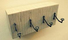 Conoce varias 10 ideas para reciclar viejos trastos y convertirlos en originales percheros de pared
