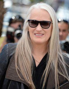 Pour le premier jour du 67e Festival de Cannes, la présidente du jury Jane Campion s'est prêtée au jeu des photographes sur la Croisette. Pendant la conférence de presse, la réalisatrice, seule femme à avoir reçu la Palme d'or pour « La Leçon de piano », a accusé l'industrie du cinéma d'être « sexiste ».  http://www.elle.fr/Cannes/News/Cannes-2014-pour-Jane-Campion-l-industrie-du-cinema-est-sexiste-2704788