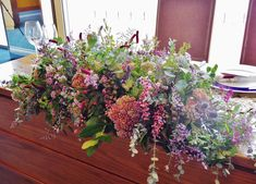 #novarese#vressetrose#wedding#pink#tablecoordinate#maintable#smokypink #natural #flower #bridal #amandansail#アマンダンセイル#ノバレーゼ#ブレスエットロゼ #ウエディング# ピンク #スモーキーピンク #シンプル # メインテーブル #テーブルコーディネート #ナチュラル#ブライダル#結婚式 Flower Baskets, Our Wedding, Floral Wreath, Wreaths, Green, Nature, Flowers, Plants, Pink