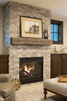 30 Interesting Fireplace Makeover For Farmhouse Home Decor. If you are looking for Fireplace Makeover For Farmhouse Home Decor, You come to the right place. Below are the Fireplace Makeover For Farmh. Modern Fireplace Decor, Fireplace Redo, Rustic Fireplaces, Farmhouse Fireplace, Fireplace Remodel, Living Room With Fireplace, Fireplace Design, Rustic Farmhouse, Fireplace Ideas