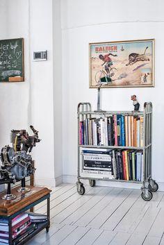 La maison de Leif Thingtved, un ancien atelier rénové avec passion   Une hirondelle dans les tiroirs