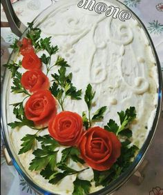 Edible Flowers, ie Creative Cold Bowl Ideas Kony Death - Salad Recipes Cute Food, Good Food, Yummy Food, Food Design, Veggie Art, Creative Food Art, Food Carving, Food Garnishes, Food Platters
