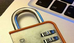 Come criptare e proteggere il PC con una chiavetta USB La tua passowrd di login Windows è troppo facile ma non vuoi inserirla troppo complicata perchè ti scoccia ogni volta digitarla, ecco se hai questi problemi e cerchi una soluzione allora leggi questa #computer #software #windows