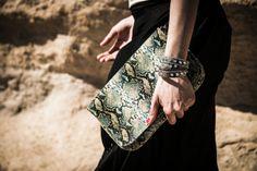 Bolso bandolera serpiente en carmen tessa | Tienda de bolsos y complementos | www.carmentessa.es