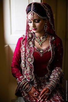 love the headpiece! #pakistaniweddings #shadi #desi #mehndi #henna #lehnga #indian #indopak #culture #red