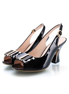 Black Patent Leather Pumps: I love the classics! Bridal Shoes, Wedding Shoes, Beautiful Closets, Cheap Sandals, Chunky Heel Pumps, Black Patent Leather Pumps, Formal Shoes, Fashion Boots, My Style