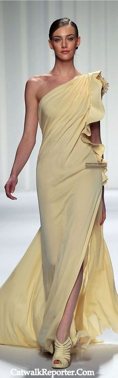 Evening gown, couture, evening dresses, formal and elegant Abed Mahfouz Couture Spring Summer 2013 Abed Mahfouz, Style Couture, Couture Fashion, Beautiful Gowns, Beautiful Outfits, Yellow Gown, Mode Glamour, Yellow Fashion, Pink Beige