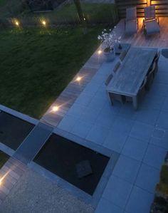 Ontwerp van een privétuin met strakke vijver. GRID landschaps- en tuinarchitectuur.