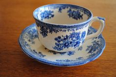 Old Gustavsberg - Pheasant cup and saucer