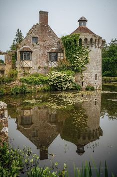 Scotney Castle is an English country house with formal gardens southeast of Lambhurst in the valley of the River Bewl in Kent, England. Roger Ashburnham is credited with building the castle c. by *Sabine* Beautiful Castles, Beautiful Buildings, Beautiful World, Beautiful Places, The Places Youll Go, Places To Visit, Kent England, Castle Ruins, Medieval Castle