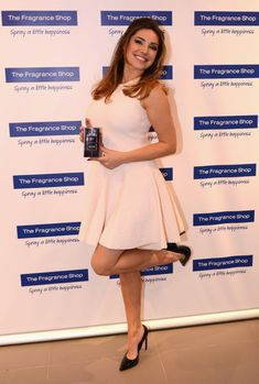 Kelly Brook – 'Audition' Perfume Launch in Manchester – March 2014 Fit Women, Sexy Women, Kelly Brook, British Actresses, Stunning Women, Pure Beauty, Hot Girls, How To Look Better, Fashion Outfits