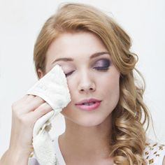 GLOV Hydro Demaquillage from Phenicoptere removes strong make-up and mascara only with water! Tested in a dermatological laboratory. 100% safe for allergic and sensitive skin! Satisfaction guarantee or money back. Test GLOV for 7 day with no risk! Shipping for FREE!! VISIT www.glov.co for more info!