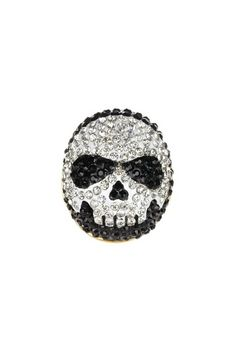 Skull Ring by Thyia