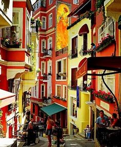 Colourfull street in Istanbul