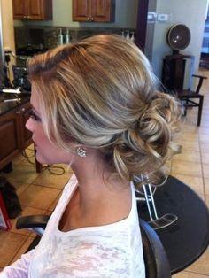 16 Glamorous Wedding Updos for Women