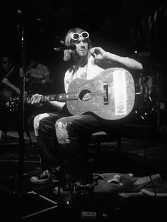 Kurt Cobain Photos, Nirvana Kurt Cobain, Montage Of Heck, Rock N Roll, Banda Nirvana, Grunge, Morrison Hotel, Donald Cobain, Smells Like Teen Spirit