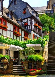 "Town Beilstein called the ""Sleeping Beauty of the Moselle"" - Rhineland-Palatinate, Germany July and August ""fairy tale festival "" Oh The Places You'll Go, Great Places, Places To Travel, Places To Visit, Beautiful World, Beautiful Places, German Village, German Houses, Rhineland Palatinate"