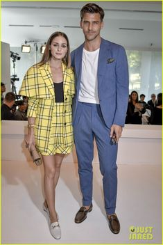Full Sized Photo of gigi and bella hadid strut their stuff in tods milan fashion week 08 Happy Couples, Olivia Palermo Style, Quirky Fashion, Bella Hadid, Passion For Fashion, Style Icons, Muse, Nice Dresses, Celebrity Style