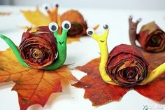 Top 40 Examples for Handmade Paper Events - Everything About Kindergarten Autumn Crafts, Fall Crafts For Kids, Autumn Art, Nature Crafts, Diy For Kids, Halloween Activities For Kids, Art Activities, Halloween Crafts, Easy Crafts