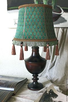 """Купить Настольная лампа ( абажур батик) """"Малахитовый"""", для мужчины - светильник, светильник настольный"""